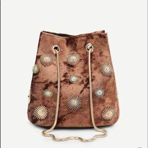 Handbags - Velvet chain drawstring mini crossbody bag